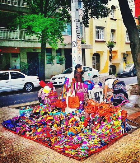 Mi Mexico de mil colores. Mexicodf EyeEm Best Shots Photooftheday Eye4photography  Mexico_maravilloso Walking Around Color Walk Cdmx Urban Walklikeus Cities People Watching