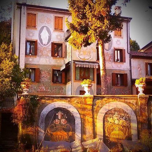 Lo stupore nel cercaredi vedere sempre il bello delle cose. La capacità di meravigliarsi ogni volta. Cittadella Medioevo Veneto Arte
