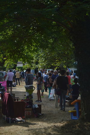 Car Boot Sale Casual Clothing Group Of People Large Group Of People Market Park - Man Made Space Vide Grenier Walking