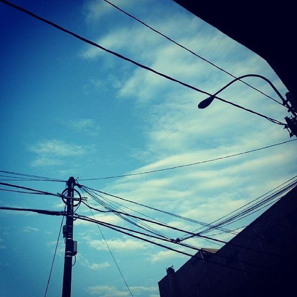6:20am empezando el dia lunes.Cielo despejado Igersperu Buenosdiasperu Ig_peru_ Streetphotoperu cieloazul sky bluesky city lima peru