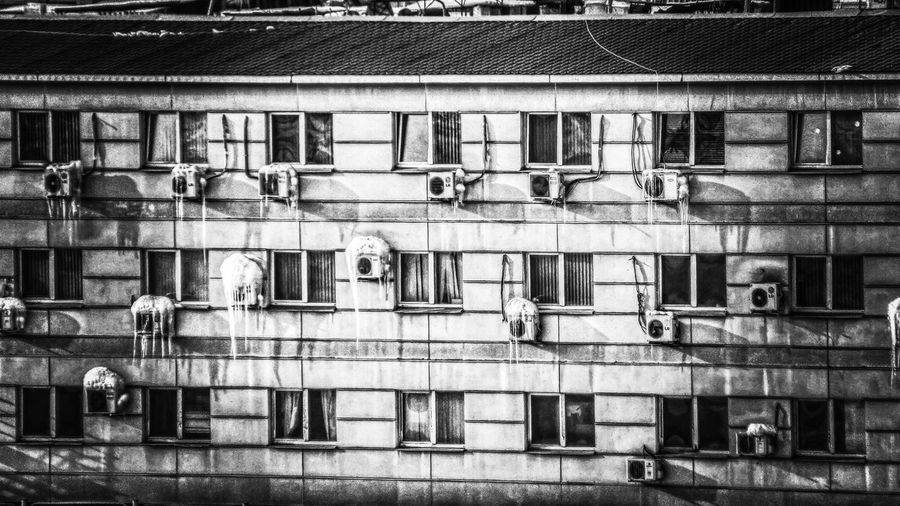 Streetphotography Street Black And White Blackandwhite Nature Photography Nature_collection Non-urban Scene Nature No People EyeEm Nature Lover EyeEm Gallery Full Frame Window Pipe - Tube Residential Building Balcony Architecture Building Exterior Built Structure Close-up Drying Electricity Tower Exterior High Street Fire Escape Air Conditioner Electric Meter Clothespin Emergencies And Disasters Location