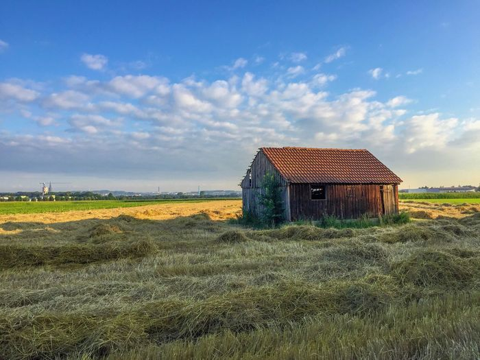 Sky Built Structure Grass Cloud - Sky Nature Architecture Field Building Exterior No People House Green Color Landscape Tranquility Tranquil Scene Beauty In Nature Rural Scene Outdoors Agriculture Day Barn Neu-Ulm Sunny Day