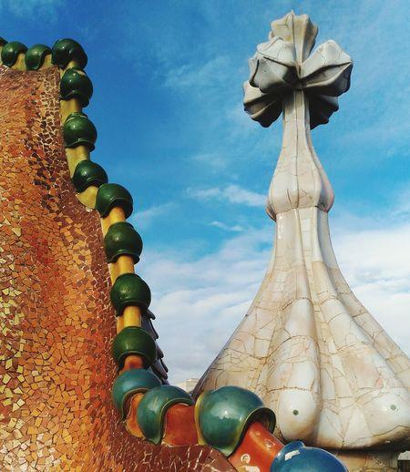 Casa Batllo Antoni Gaudí Architectural Detail Roof Tile Architecture Sky Barcelona Modernisme_catala Sculpture Architecture Revolution