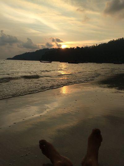 It's a Holiday Sunset Beach Malaysiantour Cuticutimalaysia Teluksenangin Perak, #Malaysia