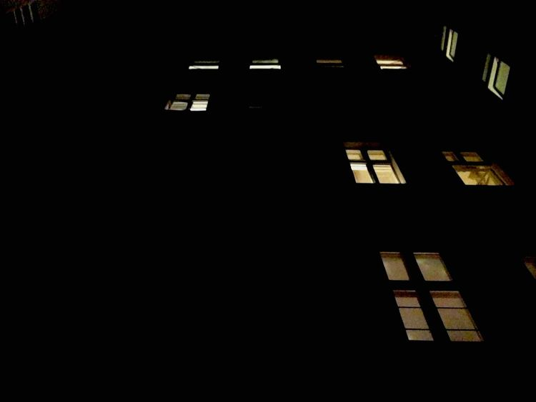 IPhoneography EyeEm Home My Fuckin Berlin Architecture Architectural Detail Window Silhouette Ceci N'est Pas Un Objet Dard Waiting