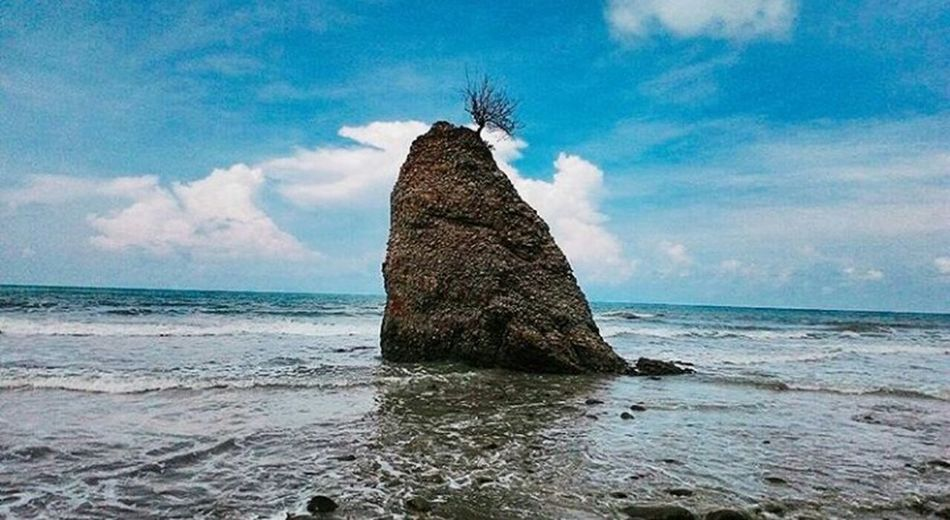 Sabah Borneo Nature Outdoors Sky Beach Lenscamera The Great Outdoors - 2017 EyeEm Awards The Portraitist - 2017 EyeEm Awards First Eyeem Photo Relaxation Place Of Heart