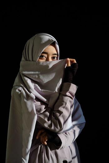 Hijab Hijabstyle  Hijabfashion Hijabbeauty Portrait Girl Shadows & Lights Shadow Light Military Protective Workwear Protective Glove Studio Shot Front View The Fashion Photographer - 2018 EyeEm Awards The Portraitist - 2018 EyeEm Awards