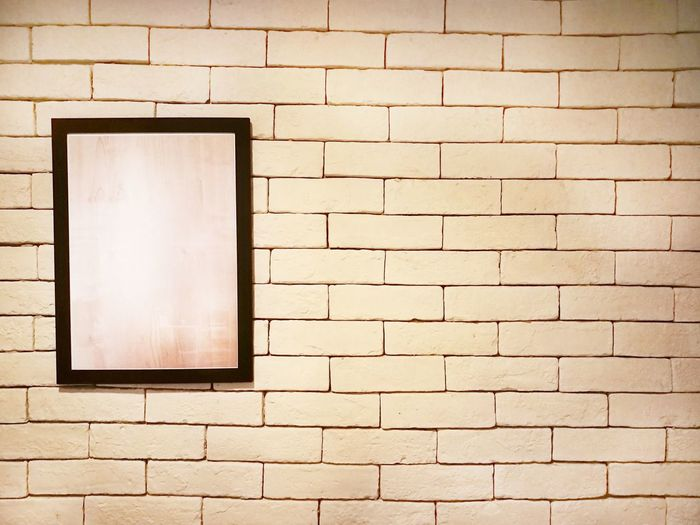 EyeEm Selects Empty Frame Brick Walk Hang Copy Space Background Indoor No People Photography Gallery Interior Poster Pattern Vintage Object
