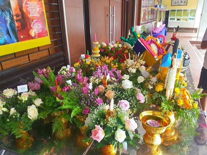 Festival Season Thai Teacher Praying Festival:This festival usually begin at the second month of new semester in Primary and High school like June, but it depend on when the institute would like it take place. This ceremony show how the students respect to their teachers. Newtonphotograph S7edgethailand S7Edgecamera