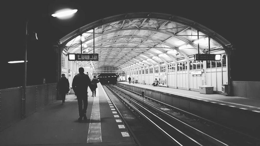 Station Biancoenero Blackandwhite Railroad Track Public Transportation Rail Transportation Passenger Train - Vehicle Subway Train Indoors  Travel People