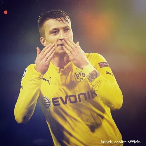 """I love you all my Fans ♥♥♥♥♥ """"Be positive one Day you can achieve your Dreams"""" Respect MarcoReus Flying_kiss Love heartcooleredits heart_cooler crazyfootballfan lovingfollowers follownow followpage bvb09 evonic hairstyle haircolur feeling ozam i follow my dreams ¤ Based on loving followers and likers"""