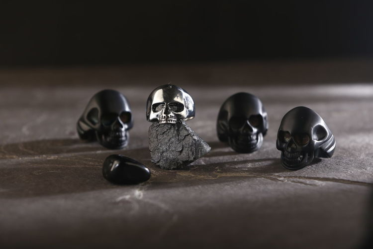 Still Life Indoors  Selective Focus Table No People Close-up Wood - Material Variation Group Of Objects Shiny Choice Flooring Creativity Caveira  Skull