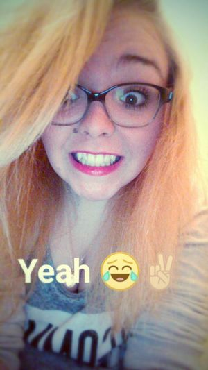 Me Le Ridicule Ne Tue Pas ! O:) Smile ✌ 😃 Blonde Girl 17