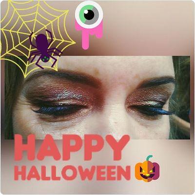 Beautybytammy Mainstreethaircompany Eyes Make -up glitter autumne lashes huntingtonbeachpier huntingtonbeach happyhalloween