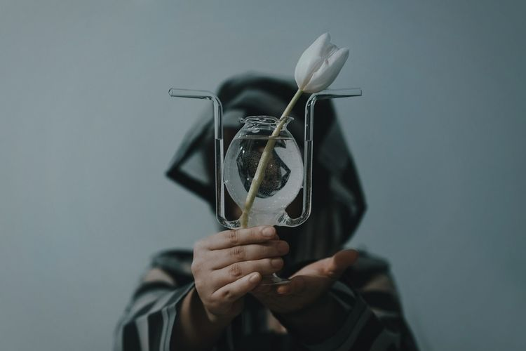 OpenEdit Flower Flower Vase One Person Holding Hands Human Body Part Human Hand Mask - Disguise People VSCO Tulip Love Yourself Inner Power Visual Creativity Modern Hospitality The Still Life Photographer - 2018 EyeEm Awards The Creative - 2018 EyeEm Awards 50 Ways Of Seeing: Gratitude Humanity Meets Technology