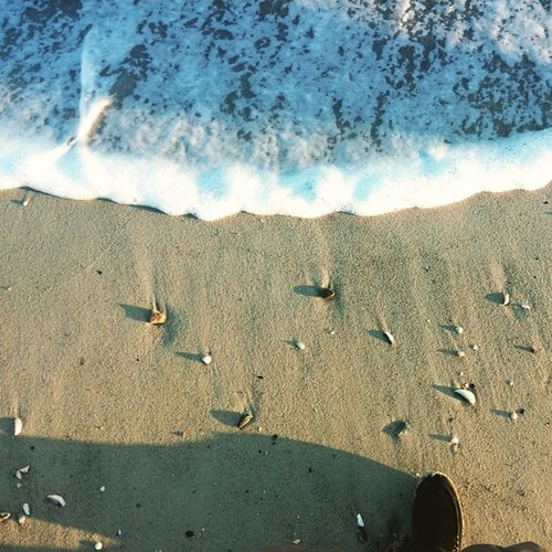 У нас здесь своя пенная вечеринка👣🛁 Sea Sand Море песок Shells пенаморя Seafoam Myshoe