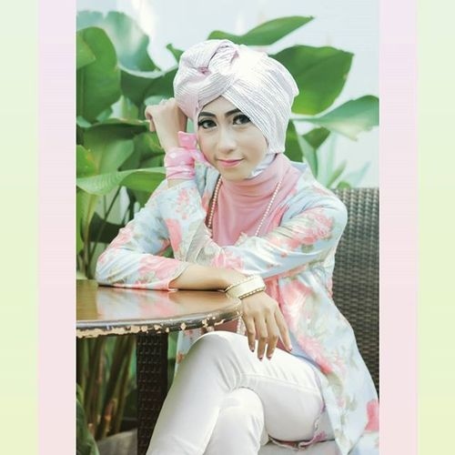 Hijabers Pasteltone Beauty Talent Models Instalike Instapic Photoshoot Photomodel Hijabfashion