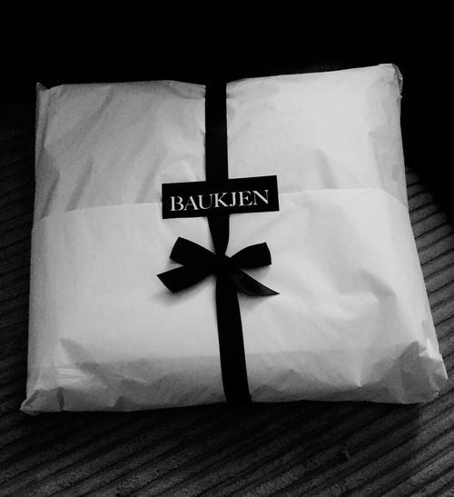 To me from me Presents New Clothes Baukjen