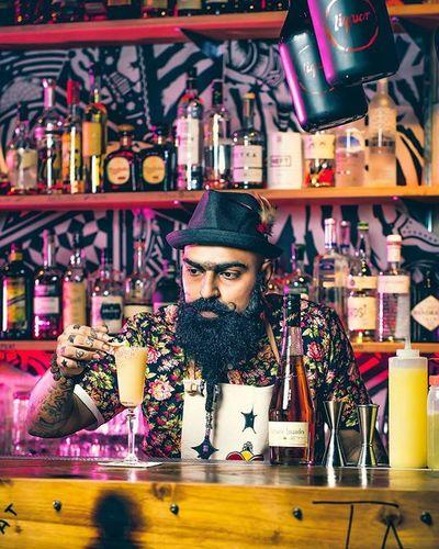 The bartender series 1 Just uploaded a special album for @giffard_liqueurs_syrups on my Facebook. Do check them out 😉 www.facebook.com/Justin.thesuachoo Giffard Bartender Book Singapore Liquor