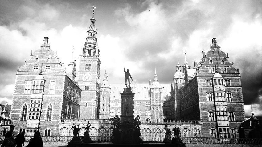 Gorgeous! Castle Blackandwhite Followme