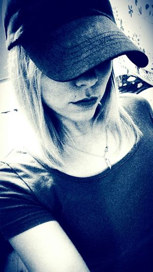 Girl With Cap Girl That's Me Cap Picoftheday Faces Of EyeEm Face Today's Hot Look Mysterious Girl