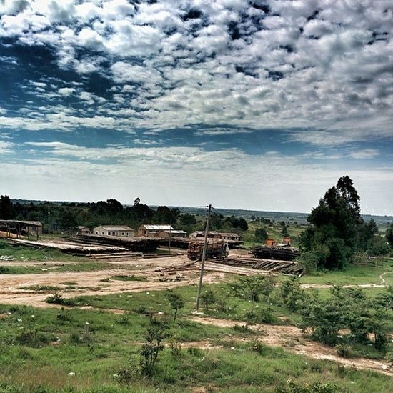 Now am passing Njombe, Beatiful view straight from the window MyTanzania Mbeyatour Iringa Timber Skyhunter Shutterbugtz Njombe Mwambiemwenzio Seetanzania Nexus5 Photographytz