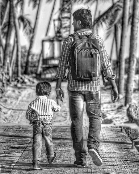 'h o l d' Fatherandson Walking Evening Beachside Kerala Blackandwhite