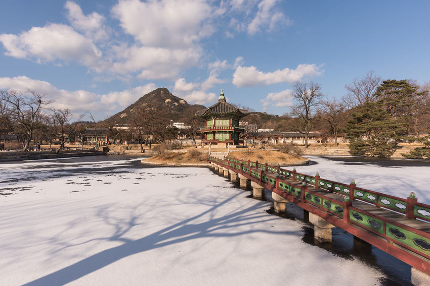 Architecture Korea Kyoungbok Palace Seoul Seoul, Korea SeoulKorea Snow ❄ South Korea South Korea🇰🇷 Winter Palace Seoul_korea Sky Snow Traditional Winter In Korea 경복궁 경복궁 (gyeongbok Palace) 서울