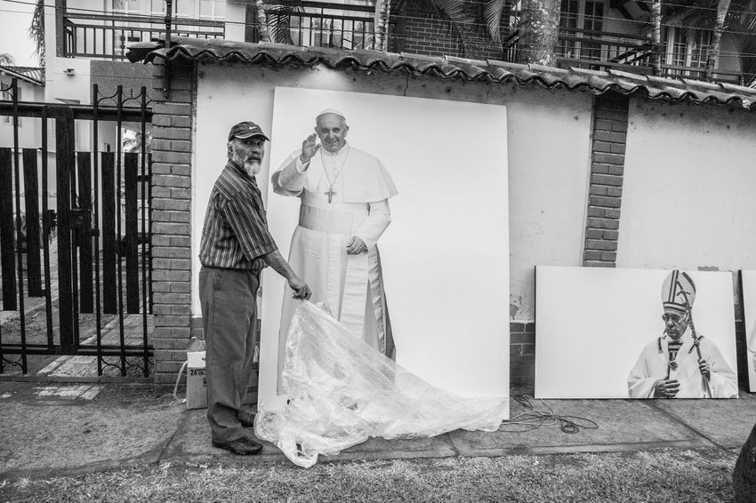 Colombia El Papa El Papa En Colombia Hello Hello World PAPA FRANCESCO Papa Francisco Pope Villavicencio Blackandwhite Pope Francis  Surprise