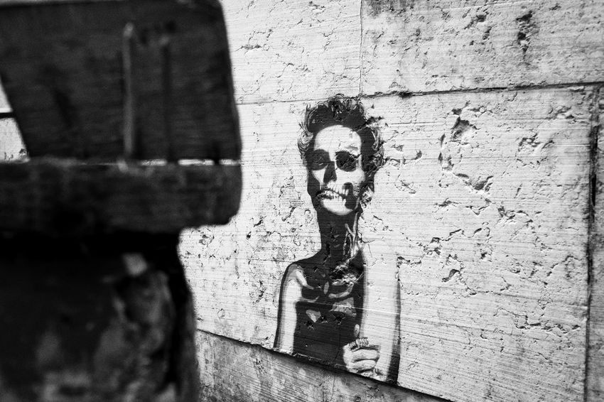 Frenchphotographer Fuji Fujifilm FUJIFILM X-T1 Fujifilm_xseries Graffiti Graphic_arts_bnw Italia Italy Streetart Streetphoto_bw Streetphotography Travel Photography Venezia Venice Xt1