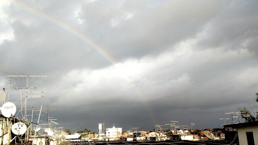 Foto:DiogoMachadoOficial Maenatureza Tempo Sky And City Arcoiris Nuvens Temporal
