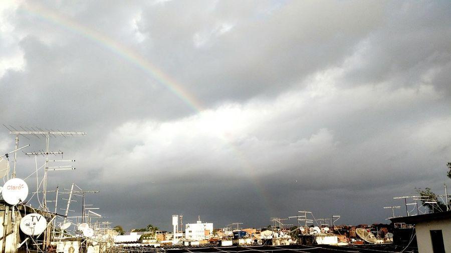 Foto:DiogoMachadoOficial Maenatureza Tempo Sky And City Arcoiris Nuvens Temporal
