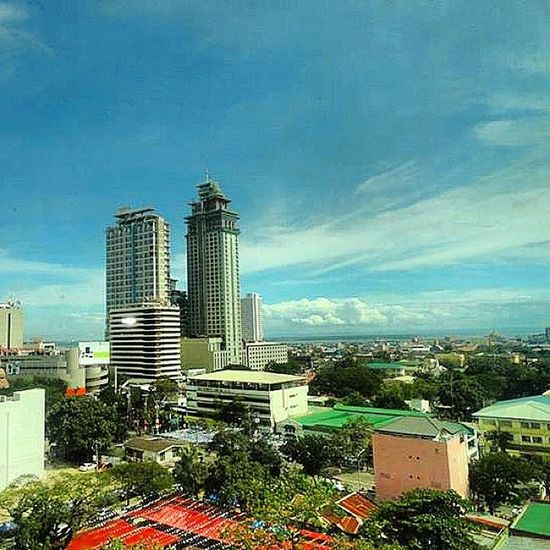 Cebuanos can u guess where I took this picture?...hehe..I bet u can. :-) Ilovecebu Bisayanibai Bisayako Cebu bisdak proudtobebisdak ilovemyown