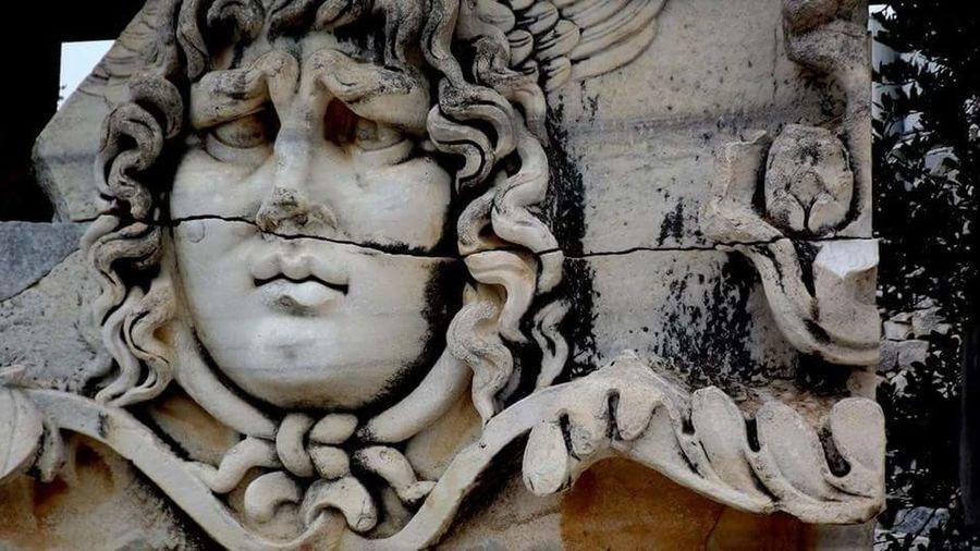 Apollo Temple Didim Didimturkey Tapınak Tarihi History Museum Sculpture Museum Of Natural History Amazing Nature Amazing Beauty