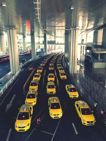 Taxi line #sichuan #iphoneonly #iphonex #Iphoneography #taxi #chongqing Car Transportation Traffic Land Vehicle Road Mode Of Transport Built Structure Yellow Taxi Architecture City Outdoors