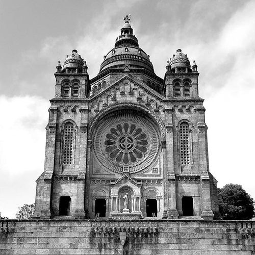 Viana do Castelo PORTUGAL Portugal Nortedeportugal Landscape Dreams Travel Travelworld Worldcaptures Worldplaces Beautifulpicture Picture Route Everydaysaventure Beautifull Discoverearth Portugallife Portugaldenorteasul Portugalnature Portugalovers DiscoverLandscape Heath Epic Magic Instatravel Instagood Moments blackandwithe viana