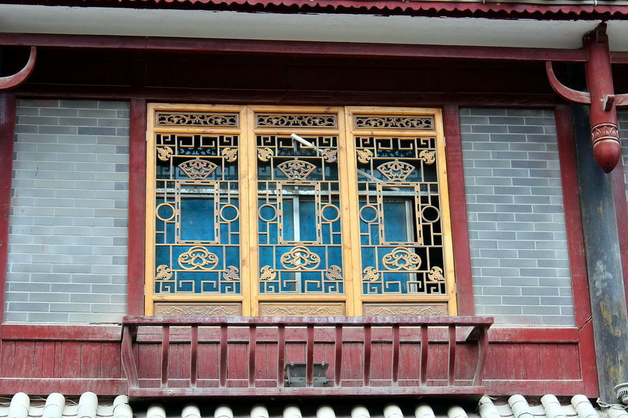 Ancient Architecture_collection Building Exterior Buildings Design Heritage Heritage Site Heritagesite HeritageVillage Monumental Buildings Things I Like Window Designs Windows Handicraft China,Guizhou Oriental China Wood Carving Colourful Handicrafts