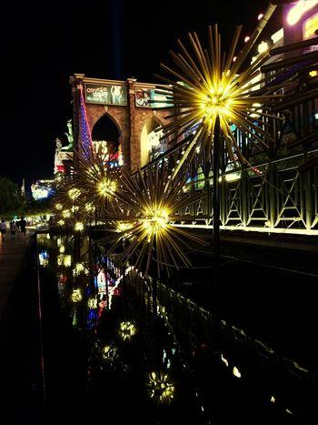Night Illuminated Arts Culture And Entertainment Travel Destinations No People Celebration Outdoors Las Vegas Las Vegas Blvd Summer Night 4th Of July Decoration Reflection