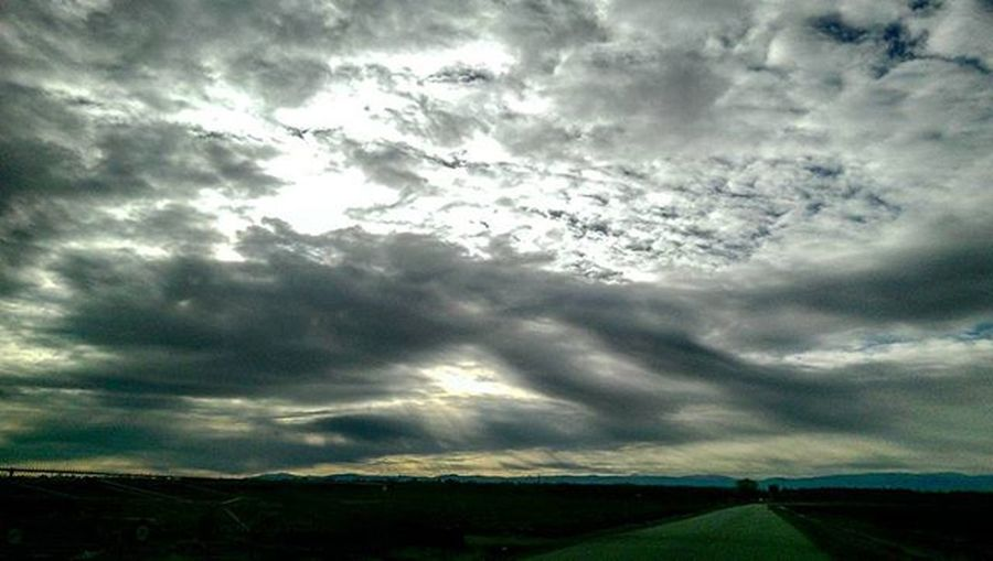 SkyPics Cloudpics Unnaturalbeauty Onanadventure Drivingpics Rayoflight Cloudsandsky Norcal Beautifulnorcal