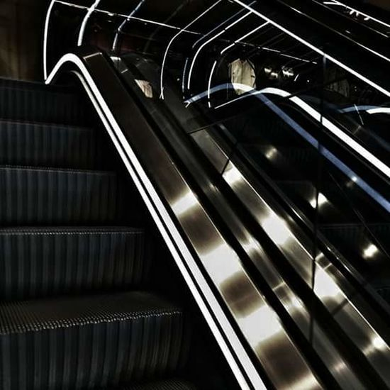 Daily Life Go Up And Down Eyeem Photography Eyeemdaily Thebestofeyeem TheWeekOnEyeEM Urbangrammers Stairs