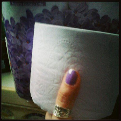 Avere lo smalto coordinato alla carta igienica Trash Purple Toiletpaper 23of365 aphotoaday 2013