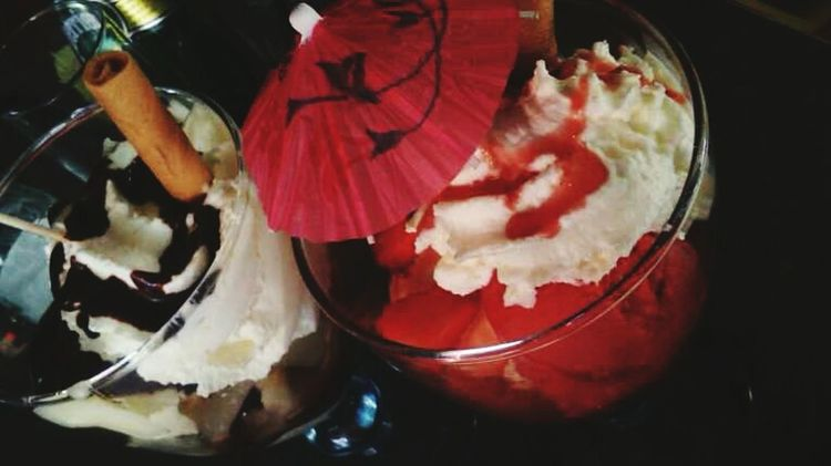 Icecream🍦 Enjoying Life Fraises Strawberries Poirebellehelene Glaces Summer ☀