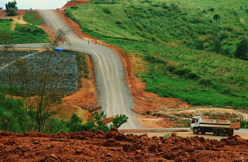 Steep Way To Successful Steep Successful Asean Topography Geography Country Truck Vehicle Backheo Way Route Road Transportation Mountain Hill Valley Nature Landscape Scene Business Industry Labor Build Amazing The Photojournalist - 2016 EyeEm Awards