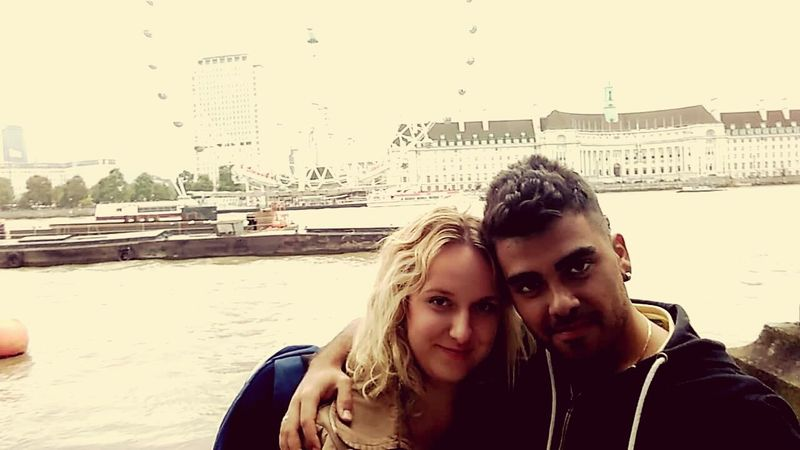 Two People Togetherness Adults Only Travel Destinations England 🇬🇧 LONDON❤ People Vacations GreatMemories ❤ Looking At Camera Sergio  Karolina Entertainment LondonEye Love Couple - Relationship City Tourism Firstmeeting