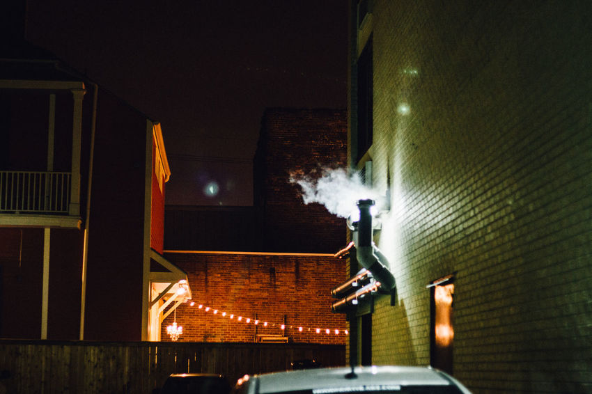 Colour Deep New Orleans Night Smoke Sur Profond The Street Photographer - 20I6 EyeEm Awards U.S.A USA États-Unis