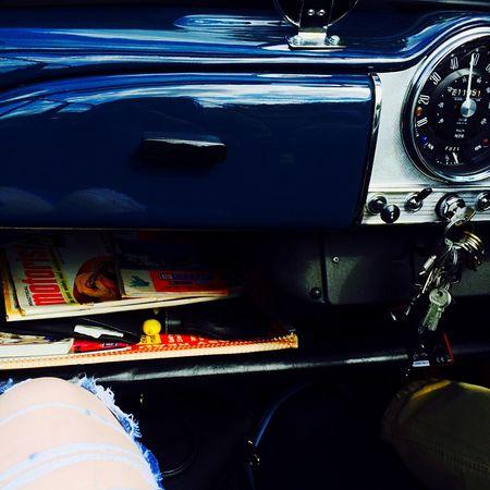 Vintage Cars Cruising Morris Minor Summer BREEZY