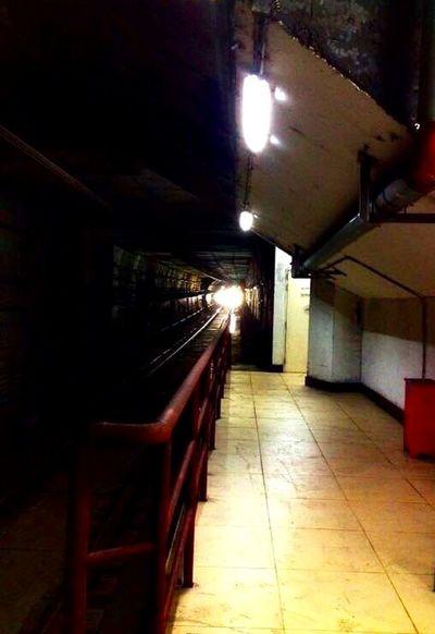 The subway arrives~Le métro arrive (地铁来了) Subway Metro Black And White Guangzhou China Light Tunnel