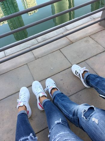 Weekend chill.🌬😌 Weekend Dubai Winter Chilling Ripped Jeans Stansmith White Shoes Adidas Adidasoriginals Sneakers Happy