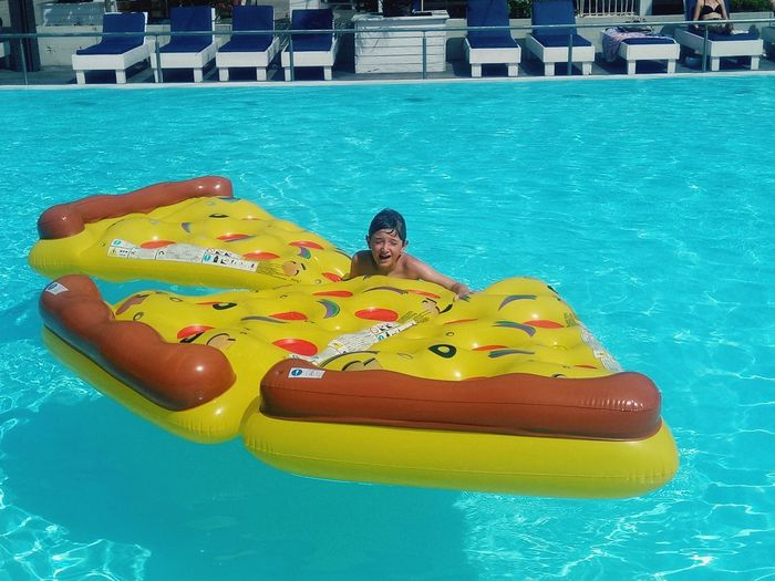 Piiiiizza Pizza Fun Water Swimming Pool Yellow Floating On Water Full Length Relaxation Kayak Swimming Inflatable Ring Pool Party Floating Summer In The City