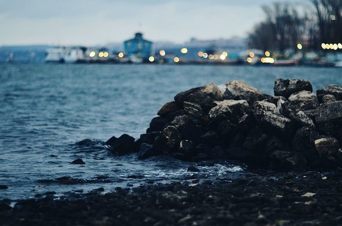 красота фонари пейзаж Outdoors Samara Blue Water Volga River Water Nature Beauty No People Horizon Over Water Sea Beauty In Nature Sky огни Beach сказка Lake вода💧 Bokeh Relax River